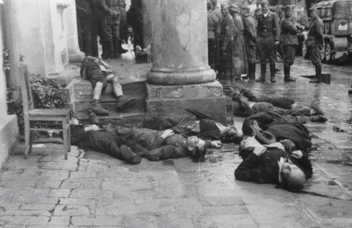 Убитые немцами мирные жители Житомира. 1941г