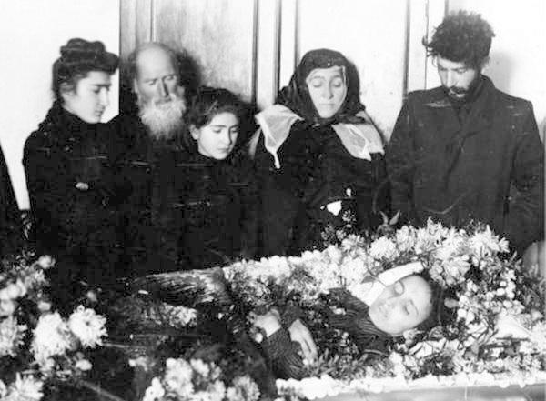 дети Сталина Екатерина Сванидзе умерла