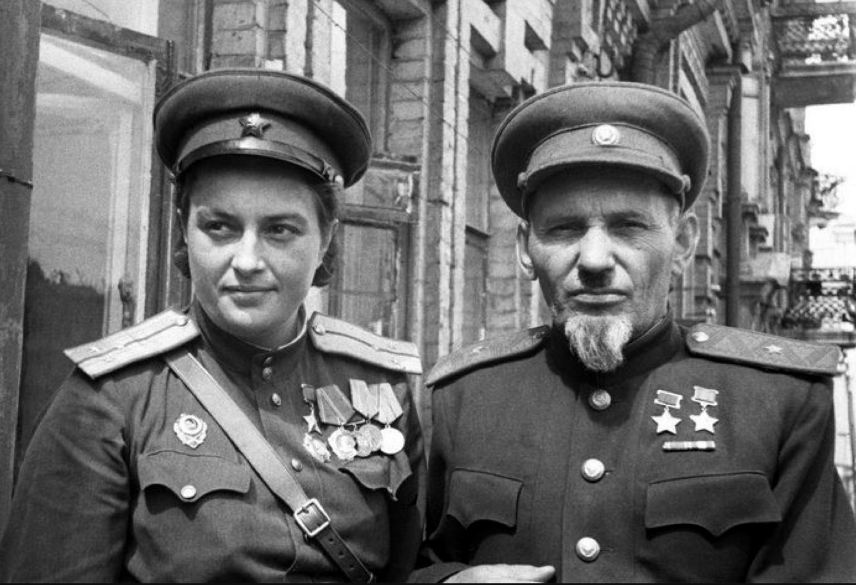 Сидор Ковпак Павличенко.png