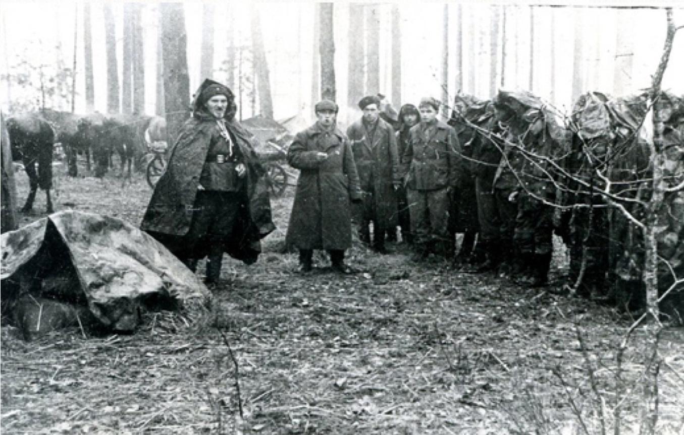 Сидор Ковпак с отрядом