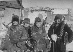 дети - защитники Родины СССР