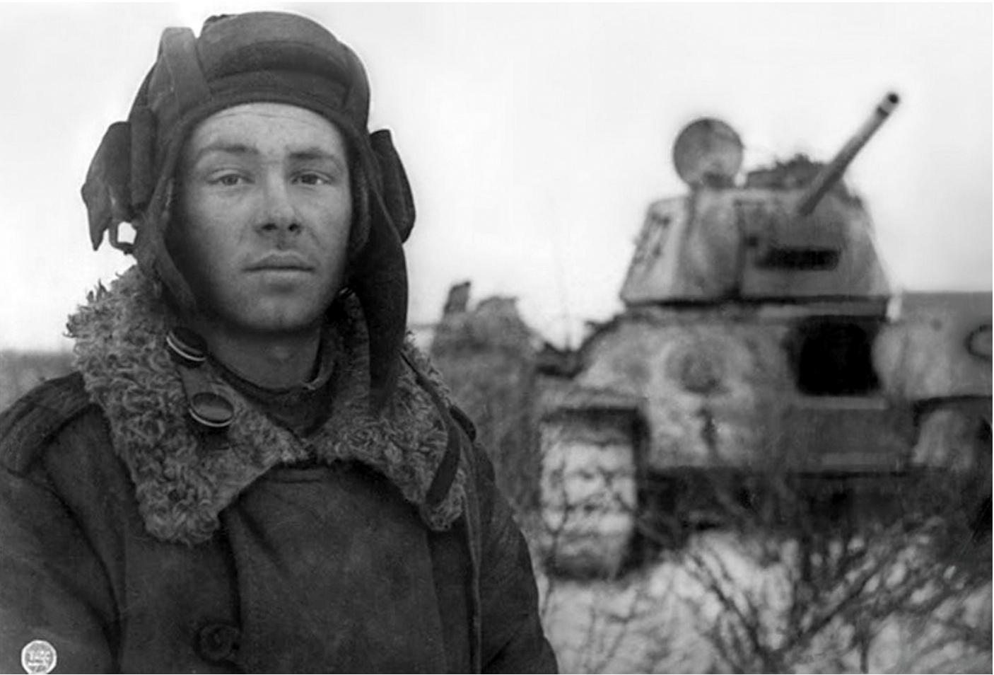 tankist-mihail-smirnov-t-34