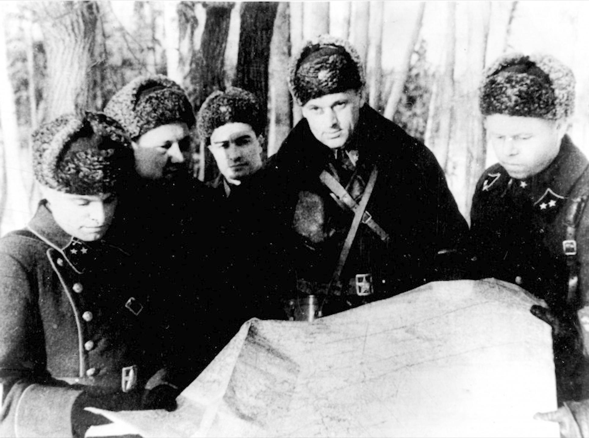 rokossovskii-bitva-za-mostvu1-png