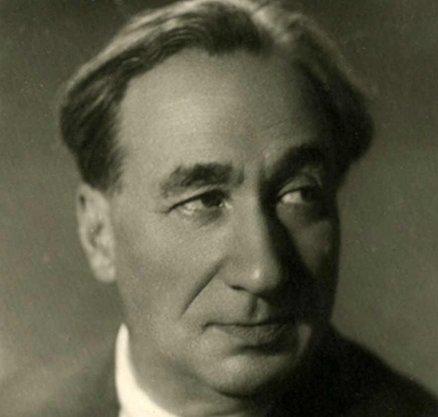 поэт Владимир Агапов.
