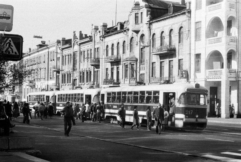 Владивосток - тройной трамвай на ул. Ленинской (ост. Лазо). Фото сделал Артюшенко Олег