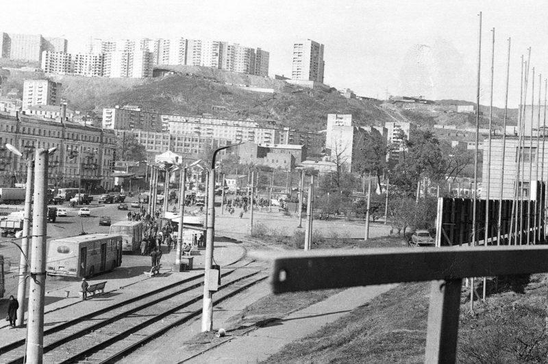 Владивосток - вид на Луговую-1 с Ж:Д моста. Фото Артюшенко Олега