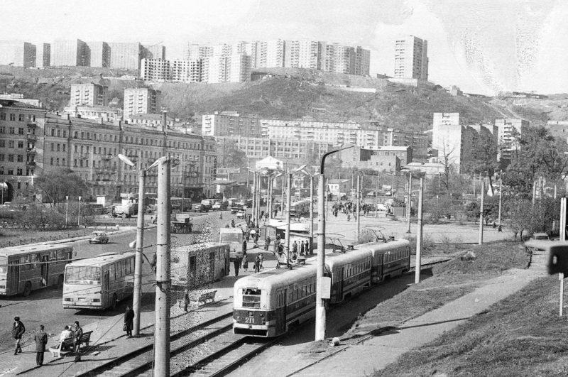 Владивосток - вид на Луговую-4 с Ж:Д моста. Фото Артюшенко Олега